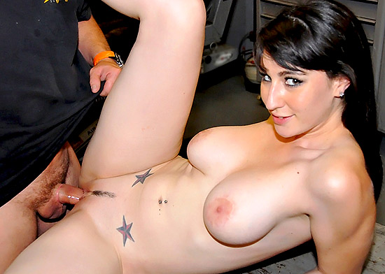 Gorgeous MILF Natalie's Nasty Cum Facial