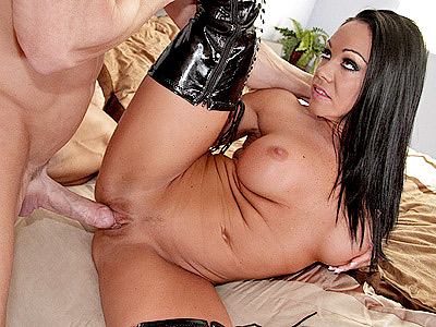 Hot MILF Blowjob with Cherokee
